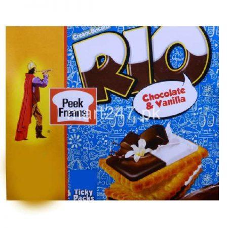 Peek Freans Rio Chocolate & Vanilla 25 Ticky Pack 1 Free Inside